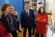 Mavi Mestre visita a Ontinyent la façana rehabilitada amb 900.000 euros de la UV