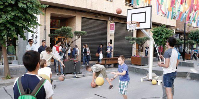 """El Club Martínez Valls porta el bàsquet a """"Ontinyent al Carrer"""""""
