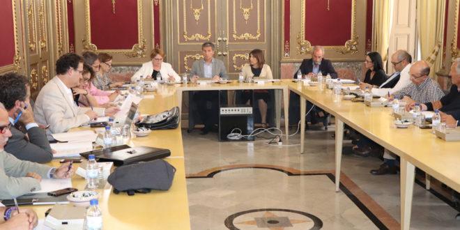 Cabedo presideix la primera reunió d'assumptes comarcals i àrees empresarials
