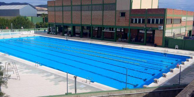 Compromís demana la gratuïtat de la piscina municipal mentres dure l'onada de calor