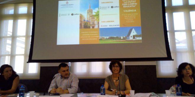Ontinyent exposa el seu model de Ciutat Educadora en una jornada del CEFIRE a València