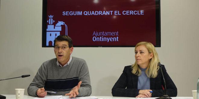 L'alcalde i la regidora d'Hisenda presenten uns comptes per a 2020