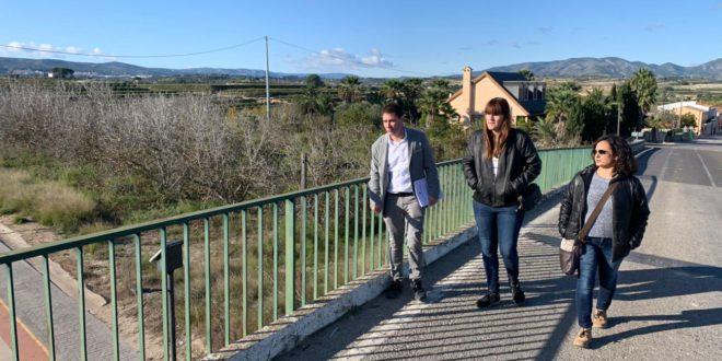 La Vall Ens Uneix demana a la Diputació la millora de la seguretat del pont d'accés a Bufali