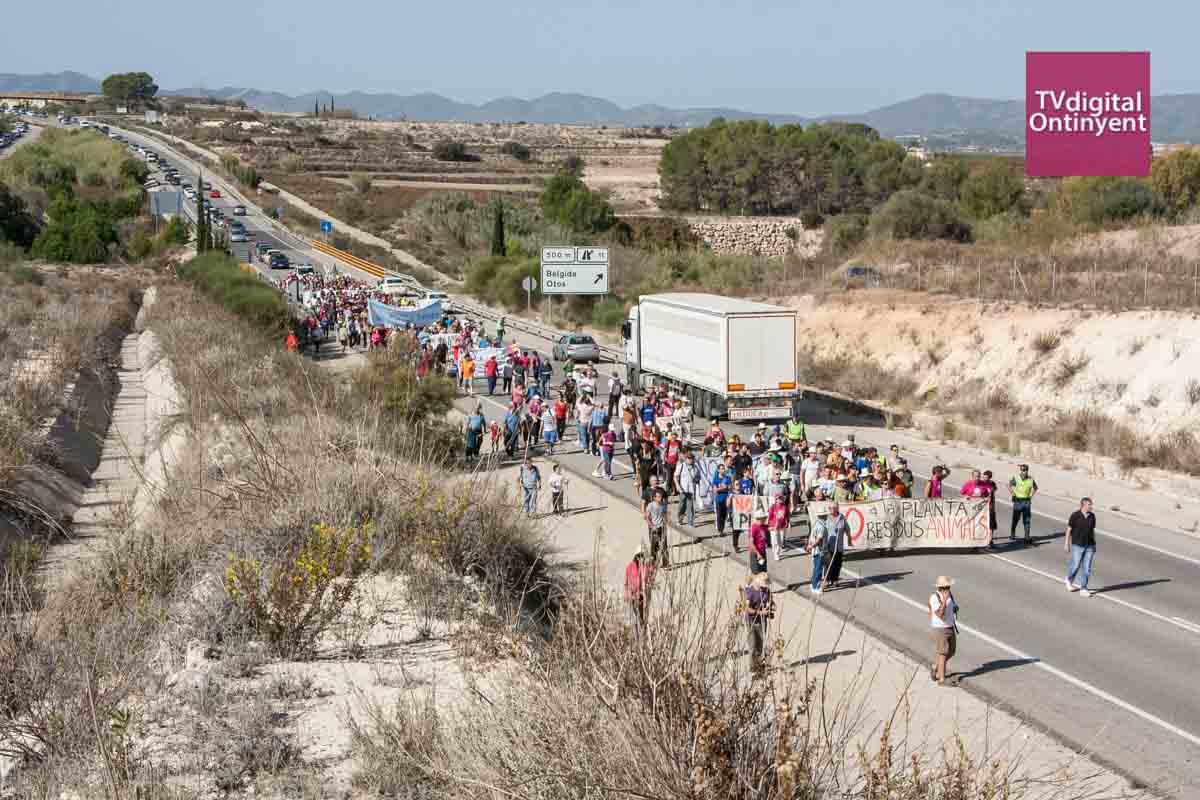 Manifestació contra la Planta de Residus Animals de la Pobla de