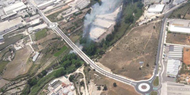 Conat d'incendi al polígon industrial Sant Vicent d'Ontinyent
