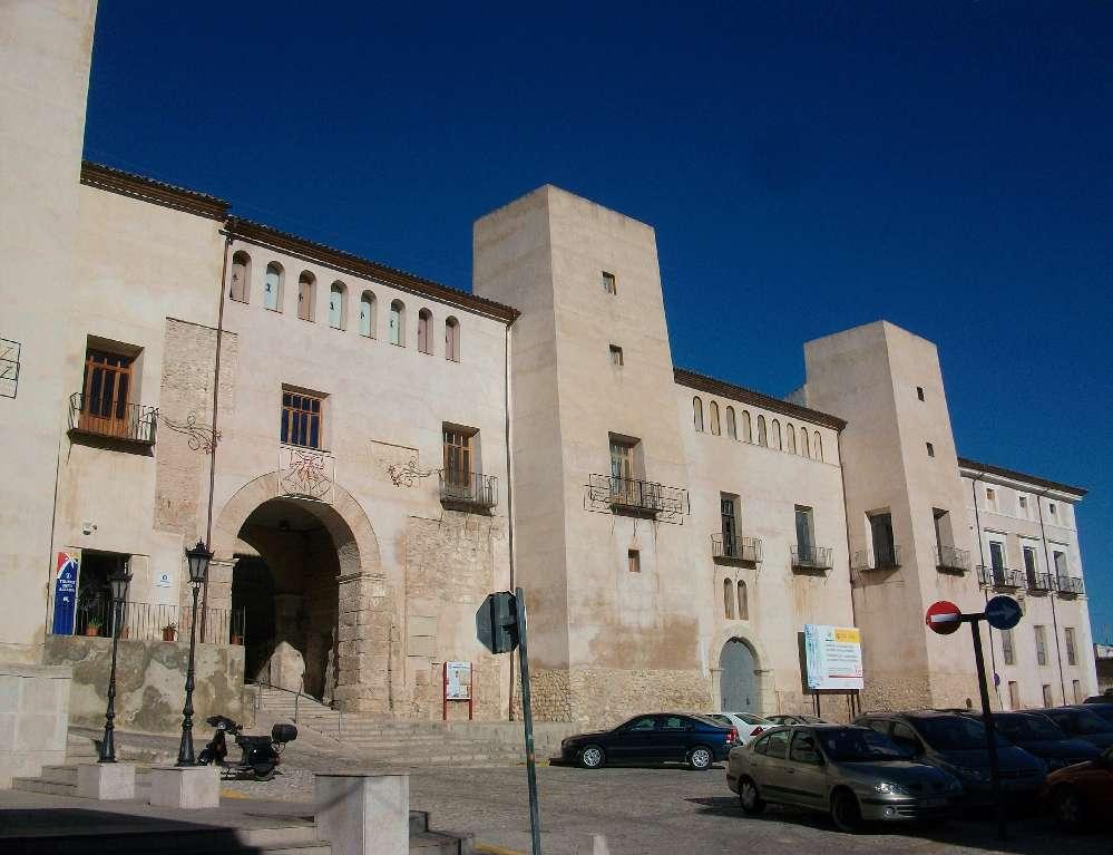 Albaida,_palau_dels_Milà_i_Aragó-1