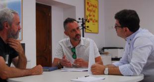 Reunió entre Otos i Diputació sobre la construcció d'un centre polivalent al municipi