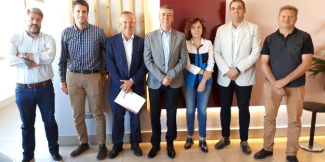 La Plataforma per la industrialització territorial es reuneix amb el conseller d' Economia