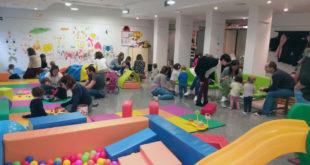 """L'àrea de menors i família posa en marxa l'edició dels """"Espais Familiars"""" per al 2018"""