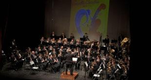 L'Agrupació Musical Ontinyent ret homenatge a Santa Cecília viatjant pel món a través de la música