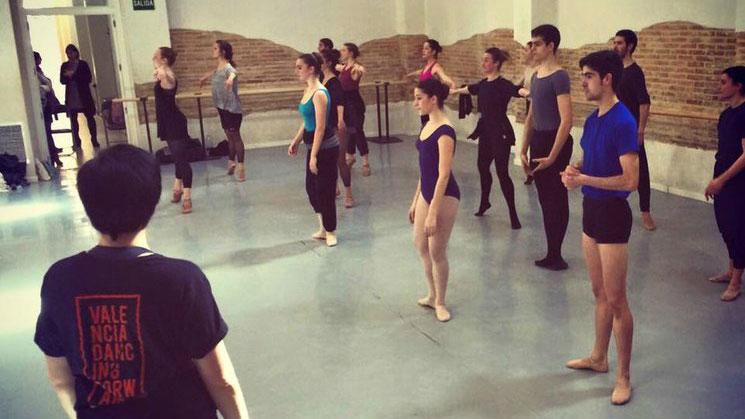 valencia-dancing-forward2