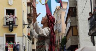 Les ambaixades i la desfilada final posen fi als Moros i Cristians d'Ontinyent