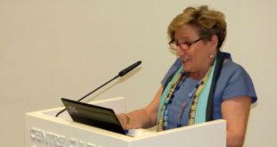 Anna Lluch explica el futur de la lluita contra el càncer a Ontinyent