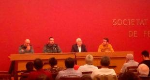 La Guàrdia Civil imparteix en la Societat de Festers d'Ontinyent una conferència sobre l'ús d'armes