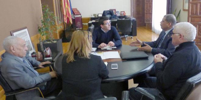 L'alcalde rep a Ontinyent al Cònsol de la República Dominicana