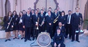 La Unió Artística Musical d'Ontinyent acompanya les capitanies d'Alcoi i Agullent