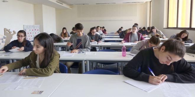 Educació prepara per al pròxim curs l'assignatura Cultura Digital, que s'impartirà en anglés als instituts