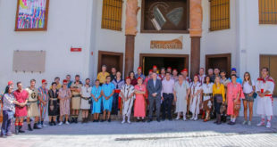 Desfilada extraordinària dels Moros i Cristians d'Ontinyent a FITUR