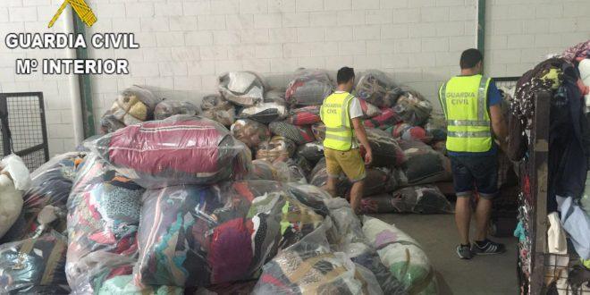 Detingudes 4 persones per furtar roba en un magatzem de Benigànim
