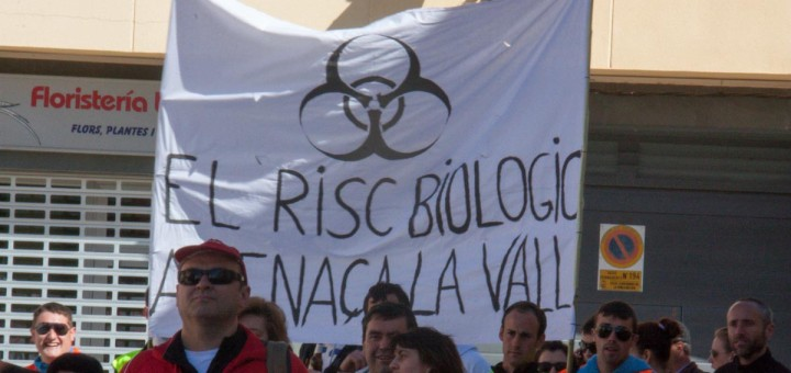 Manifestació a la Pobla del duc contra la planta de residus animals