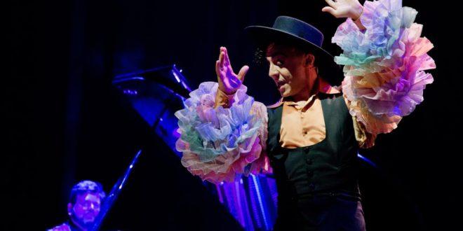 """El Teatre Echegaray retrà homenatge a la copla amb l'espectacle """"Miguel de Molina al desnudo"""""""