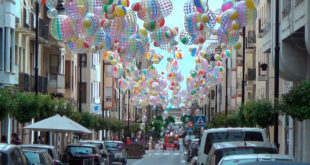 """""""Ontinyent al Carrer"""" arrancarà amb dansa, tallers i animació baix 2.380 balons de platja"""