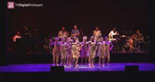 """Pampamdansa ompli el Teatre Echegaray d'Ontinyent amb """"Un2Tres4"""""""