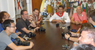 Comença la difusió de les Festes d'Ontinyent al món per part dels periodistes internacionals