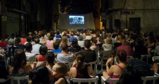 """800 persones assisteixen a les projeccions de """"cinema al carrer"""" de Poble Nou"""