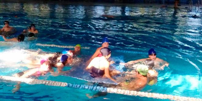 L 39 ies l 39 estaci participa en un programa de l 39 ajuntament per potenciar la nataci tv digital - Piscina coberta ontinyent ...