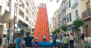 """""""Ontinyent al Carrer"""" porta un rocòdrom gegant al carrer Martínez Valls"""